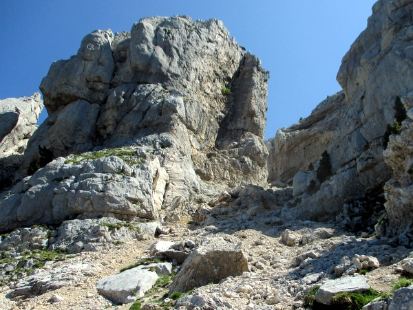 Photograph of the western gully on Chamechaude