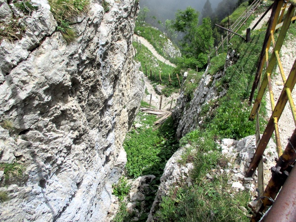 Photograph looking down at the start of the Passage de l'Aup du Seuil