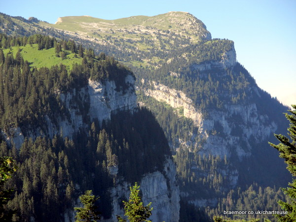 The cliffs of Perquelin and Dent de Crolles