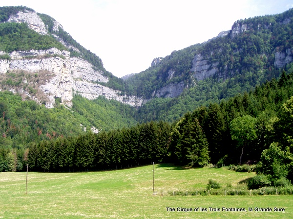 Photograph of the cirque of les Trois Fontaines, la Grande Sure