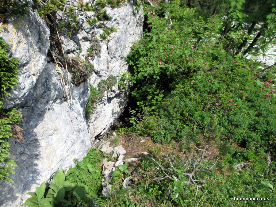 The entrance to Puits des Cartusiens - note the belay cord