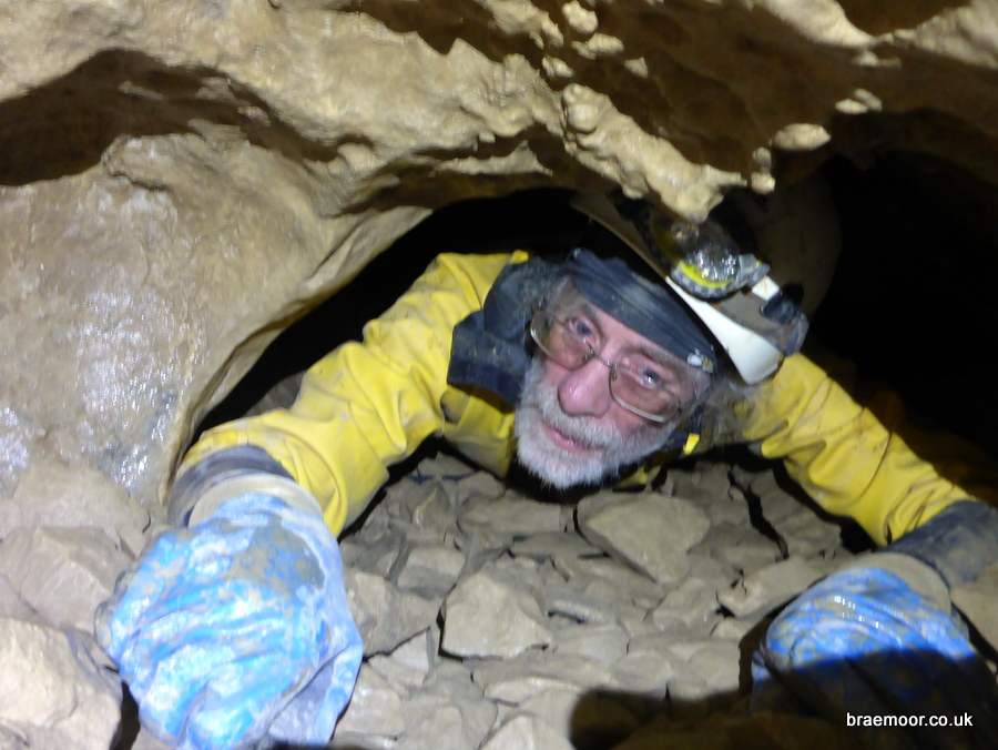Negotiating the Réseau Sanguin in Grotte du Guiers Mort