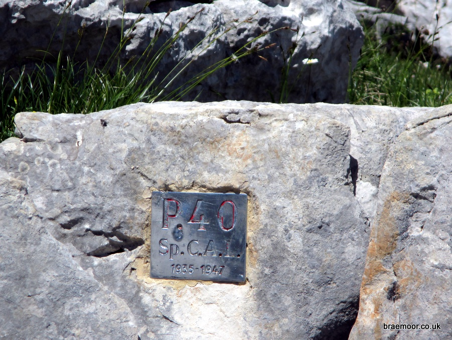 The identifying plaque at the entrance to P40